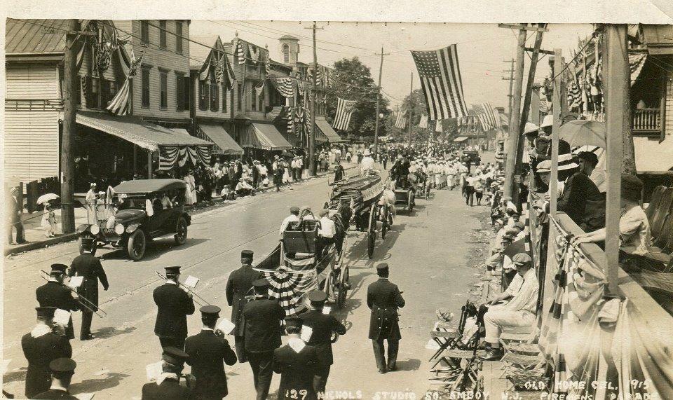 1915 parade