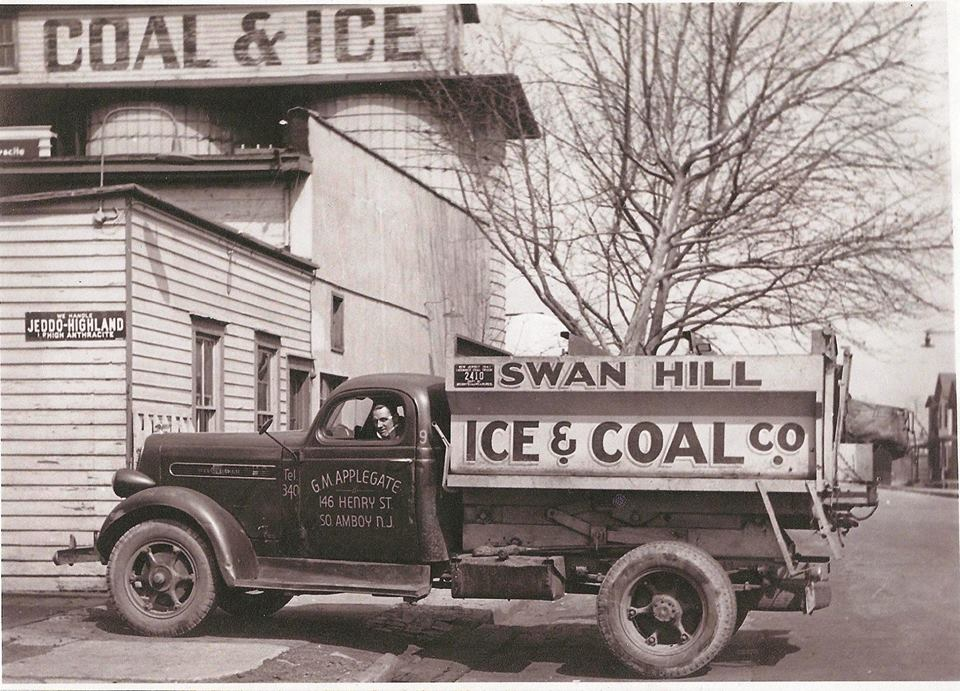 swan hill ice & coal Co